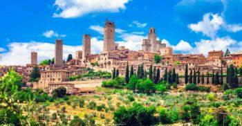 """""""Zgârie-norii"""" medievali și lupta pentru putere din San Gimignano"""