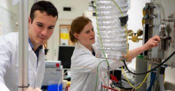 Agenția Spațială Europeană a reușit să extragă oxigen din praf selenar txt