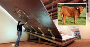Cea mai mare carte din lume lucrată manual are 1.4 tone și e legată în pielea a 13 vaci