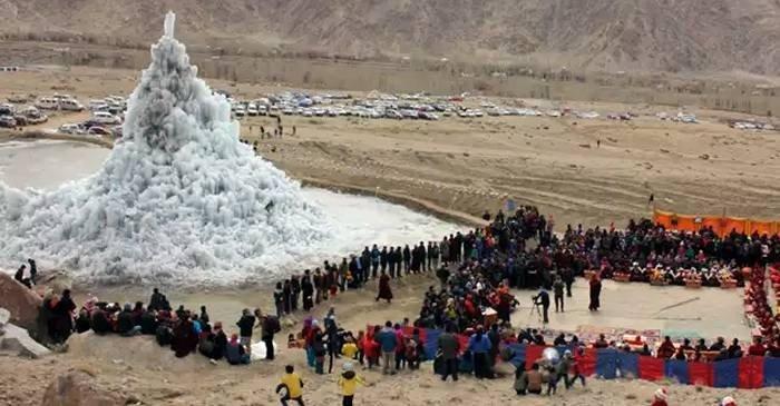 Ghețarii făcuți de mâna omului stupele de gheață din deșert featured_compressed