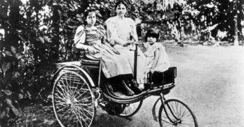 """""""Plecăm la bunica!"""" Bertha Benz și prima călătorie cu trăsura fără cai"""