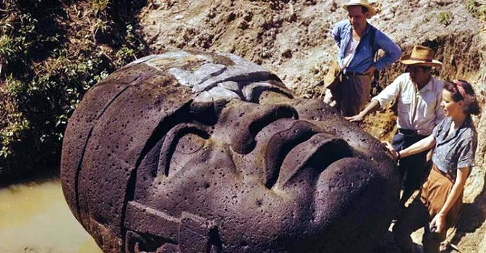 Capete gigantice, texte enigmatice Dispariția inexplicabilă a olmecilor