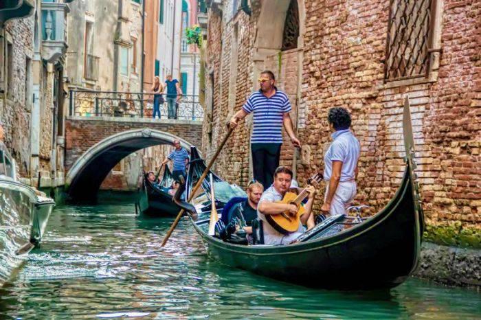Gondola 02
