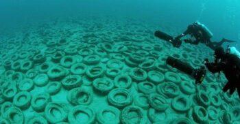 Reciful de anvelope uzate: un proiect ecologic dezastruos