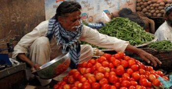 """Istoria zbuciumatăa tomatei, fructul """"otrăvitor"""" pe care astăzi îl adorăm"""