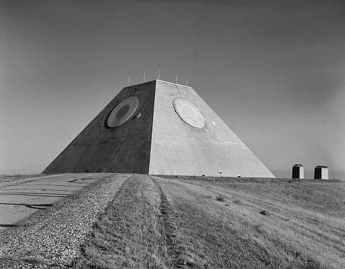 Piramida antiracheta 01