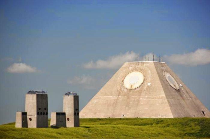 Piramida antiracheta 03