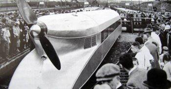"""Trenul cu elice, """"monstrul"""" căilor ferate construit de germani în 1930"""