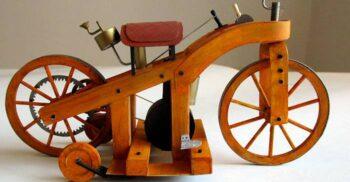 """""""Mașina de călărit"""" a lui Daimler și începuturile aventuroase ale motocicletei"""