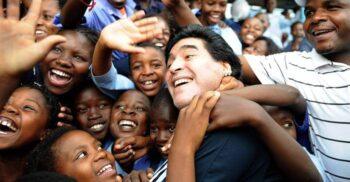 10 curiozități despre Maradona și biserica sa cu 120.000 de enoriași