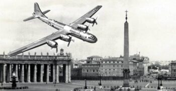 Cine a bombardat Vaticanul pe 5 noiembrie 1943? Un mister care dăinuie