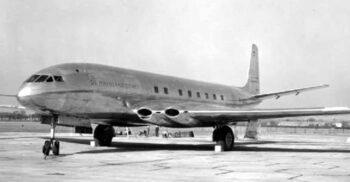 """""""Cometa"""" de Havilland, avionul care s-a prăbușit din cauza ferestrelor pătrate"""