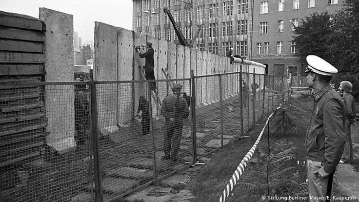 Curiozitati despre Zidul Berlinului - construirea
