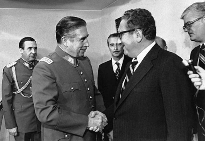 Henry Kissinger si Augusto Pinochet