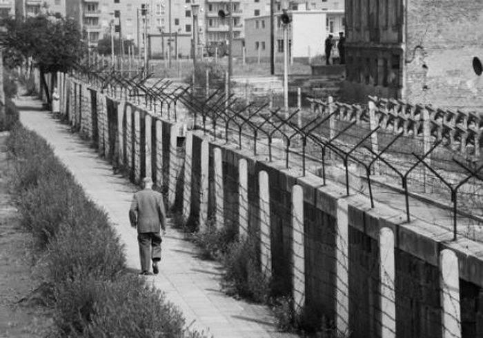 Zidul Berlinului 01