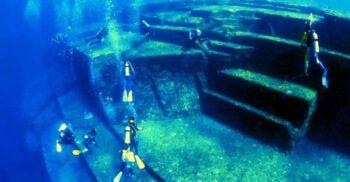 """Monumentul Yonaguni, """"Atlantida din Japonia"""", una dintre cele mai enigmatice structuri subacvatice"""