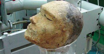 Un secret îngropat în Siberia: Misterul capului de lut cu craniu de berbec