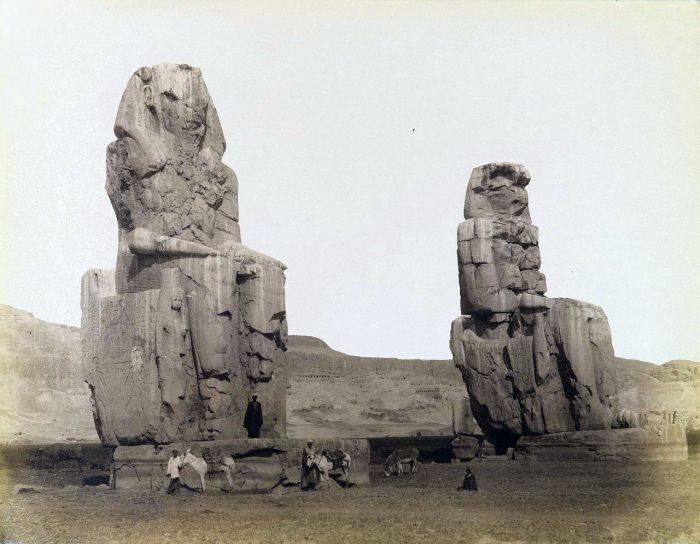 Coloșii lui Memnon