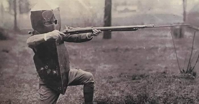 Scutul corporal Brewster vesta antiglonț de 18 kilograme