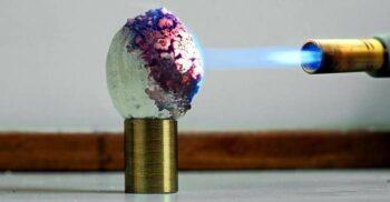 Starlite, materialul rezistent la 10.000 de grade Celsius a cărui formulă a dispărut odată cu inventatorul