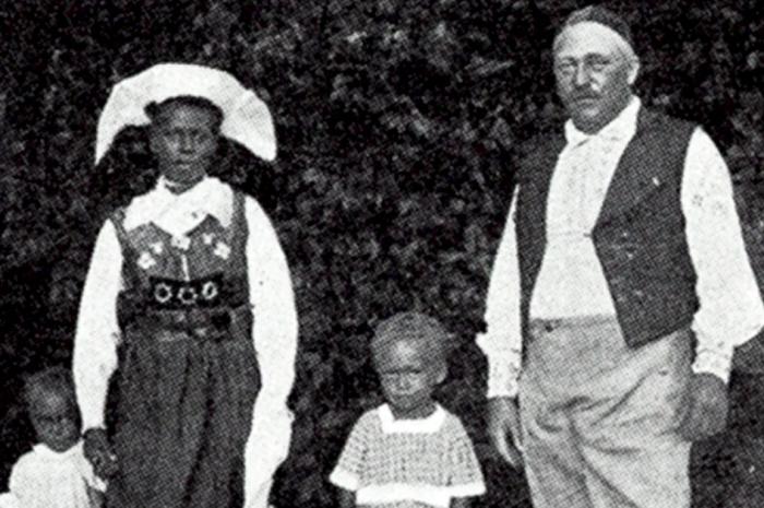 Carl Emil Pettersson si sotia sa 02
