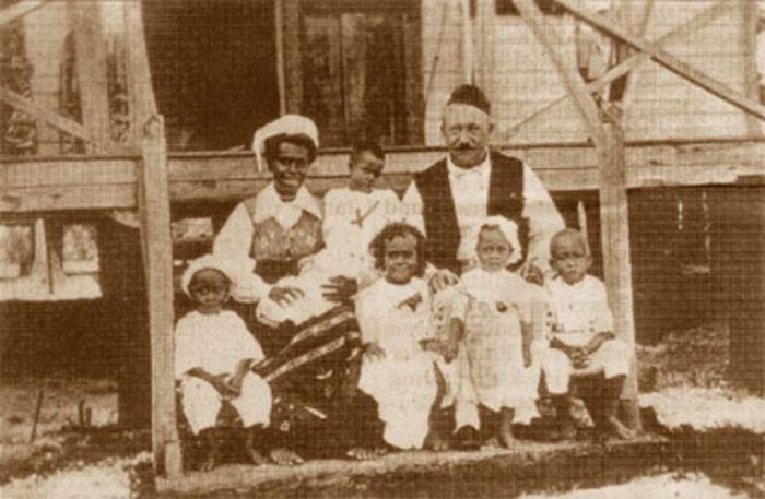 Carl Emil Pettersson si sotia sa