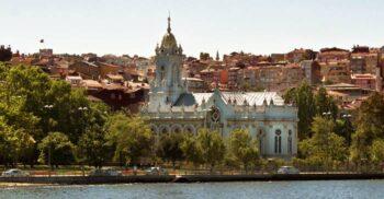 Biserica Sfântul Ștefan, din Istanbul, cel mai mare lăcaș de cult construit din fontă