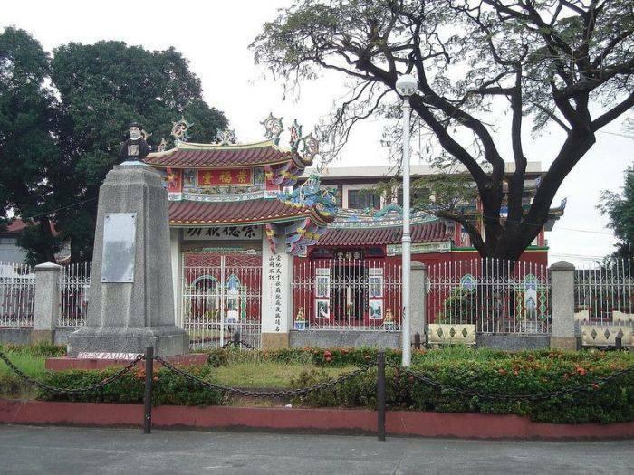 Cimitirul chinezesc din Manila 03