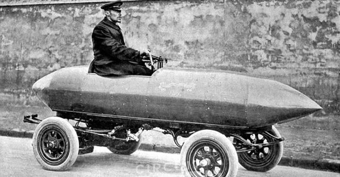 """Mașina electrică """"Niciodată mulțumită"""", prima care a depășit viteza de 100 kmh FEATURED_compressed"""