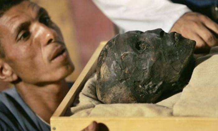 Mumia lui Tutankhamon