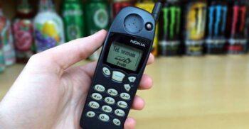 """""""Telefoanele-cărămidă"""": Cum a cucerit Nokia piața mondială a telecomunicațiilor"""
