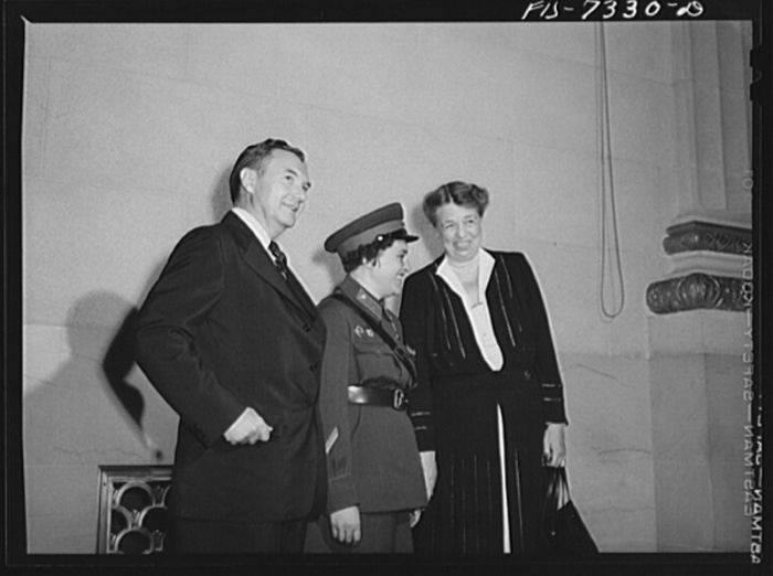 Cu Eleanor Roosevelt