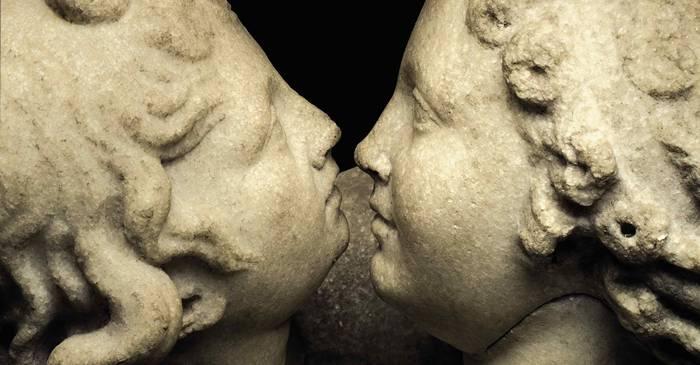 Dreptul de a săruta pe buze, etilotestul la care erau supuse femeile din Roma Antică