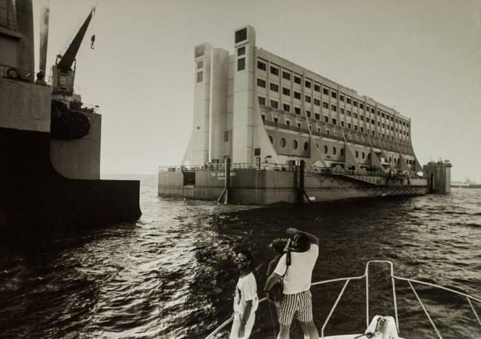 Hotelul plutitor 01