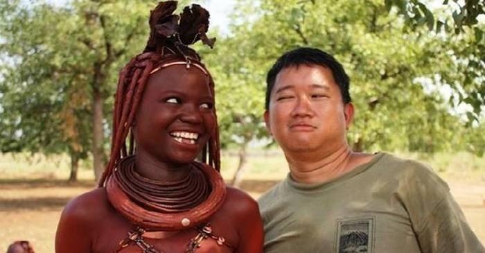 Tribul în care bărbații își pun soțiile la cheremul oaspeților, pentru plăceri sexuale