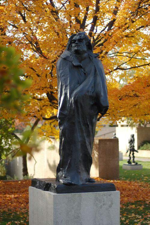 statuia lui Honoré de Balzac