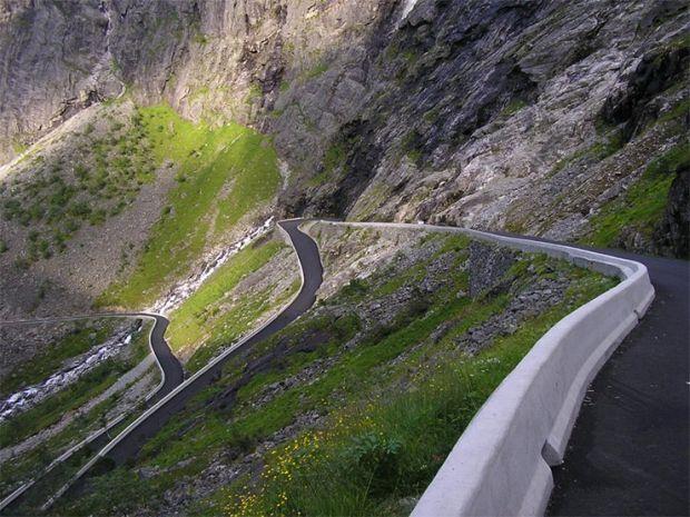 cele mai periculoase drumuri din lume 8-drumul-a682