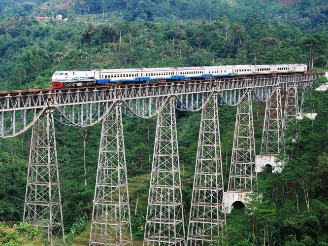 cele mai periculoase căi ferate din lume Calea ferata Argo Gede