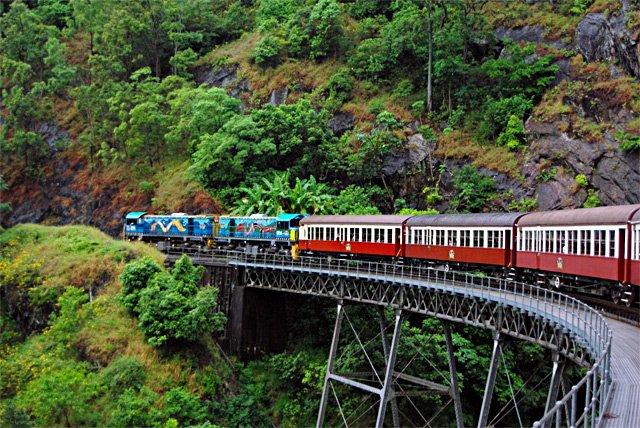 cele mai periculoase căi ferate din lume - Calea ferata Kuranda Scenic