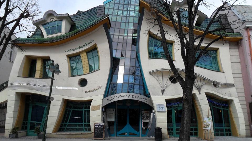 Cele mai ciudate clădiri din lume - Casa stramba