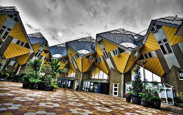 Cele mai ciudate clădiri din lume - Case cubice
