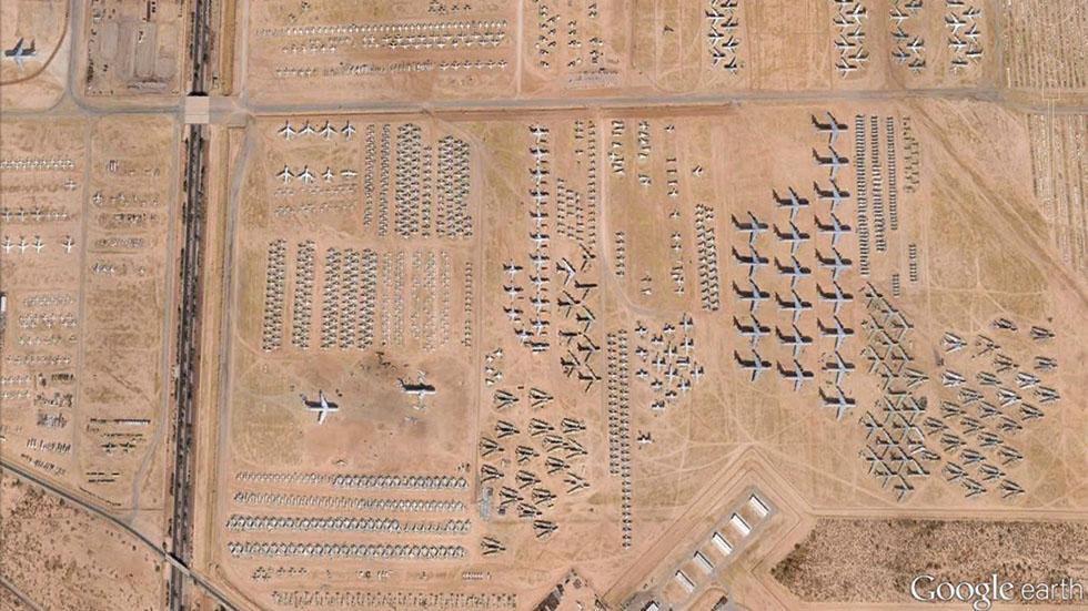 lucruri inexplicabile Google Earth - cimitir avioane