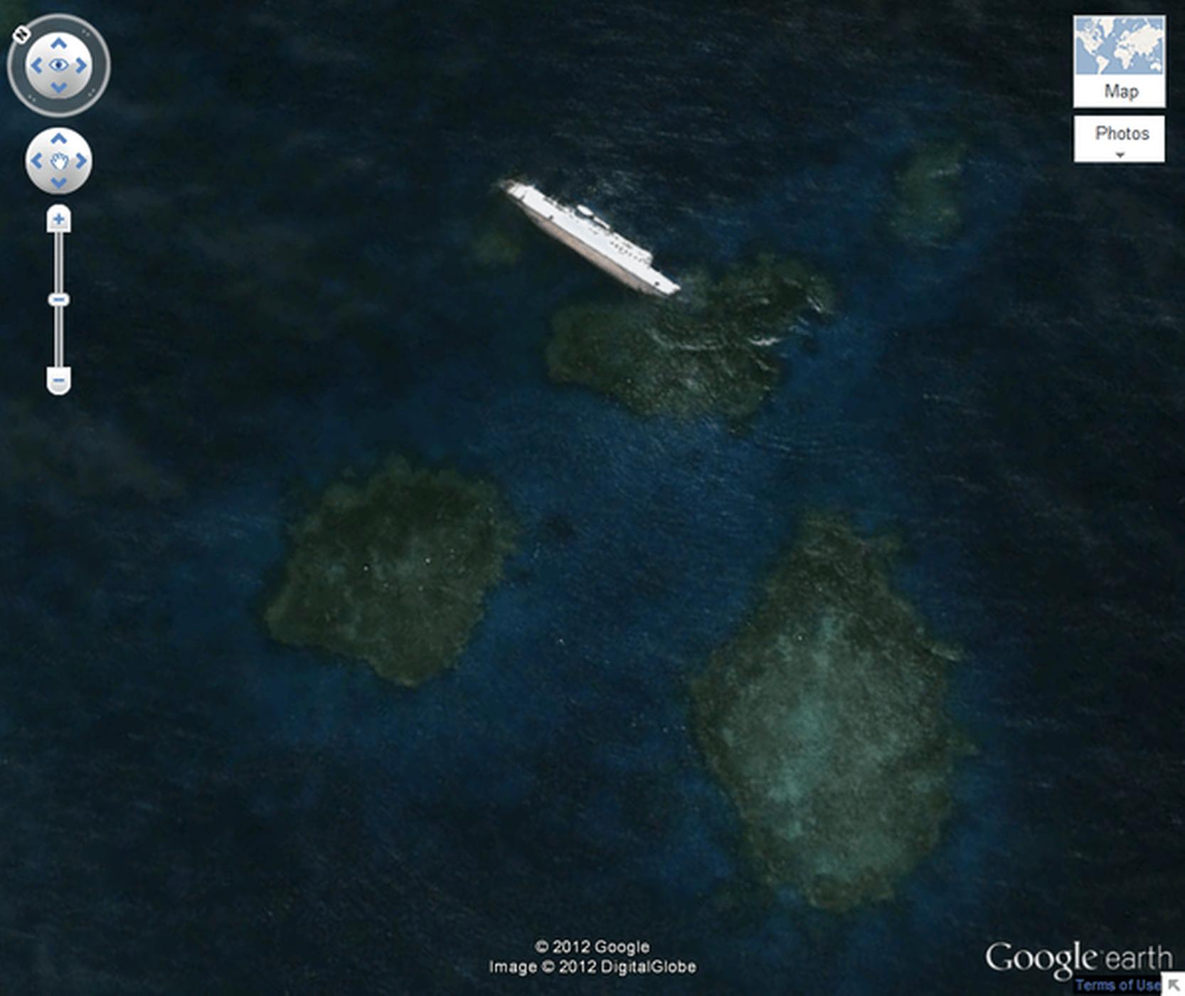 lucruri inexplicabile Google Earth - epava