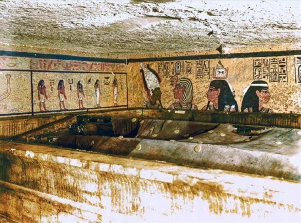 Tutankhamon Giulgiu