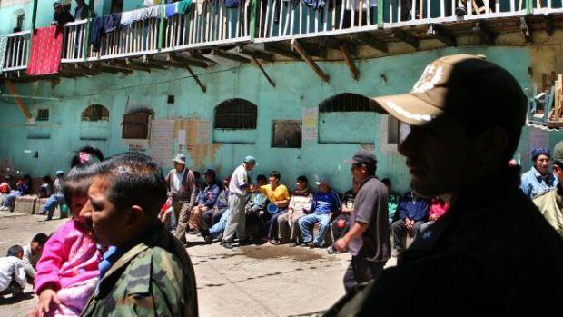 Inchisoarea San Pedro curte