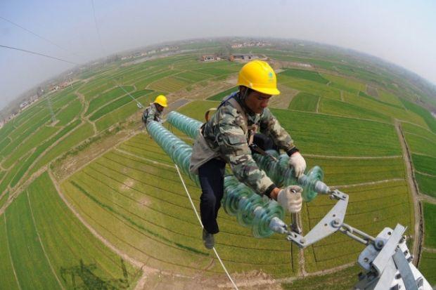 Loc de munca - Cabluri electrice