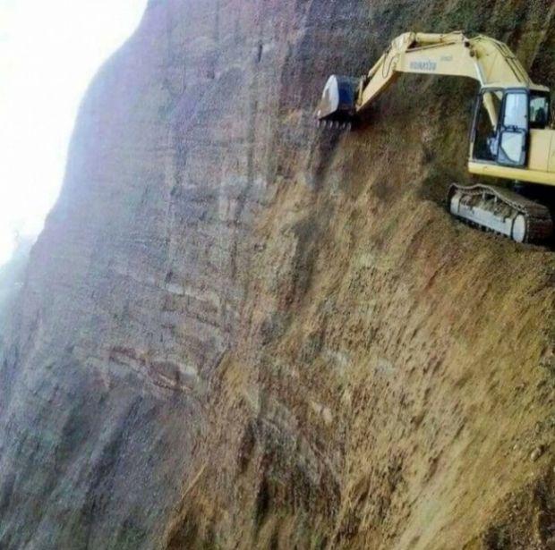 Loc de munca - Excavator
