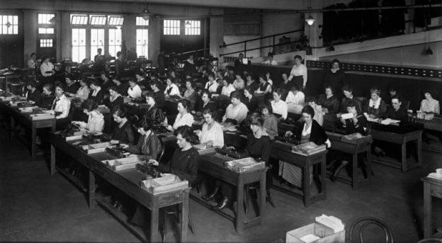 Locuri de munca - calculatoare umane