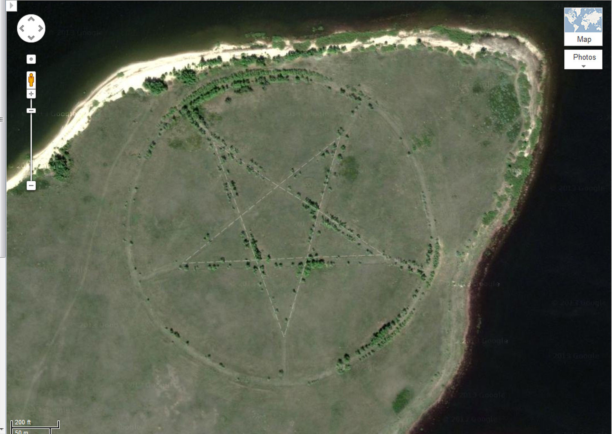 lucruri inexplicabile Google Earth - pentagrama