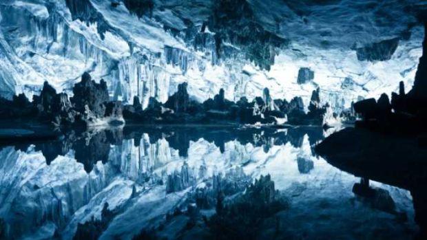 Planeta Pamant - Lacuri subglaciare
